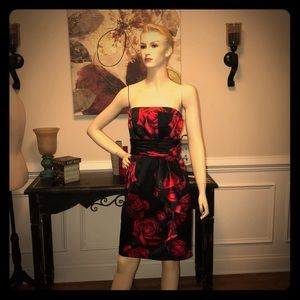 White House Black market size 2 strapless dress